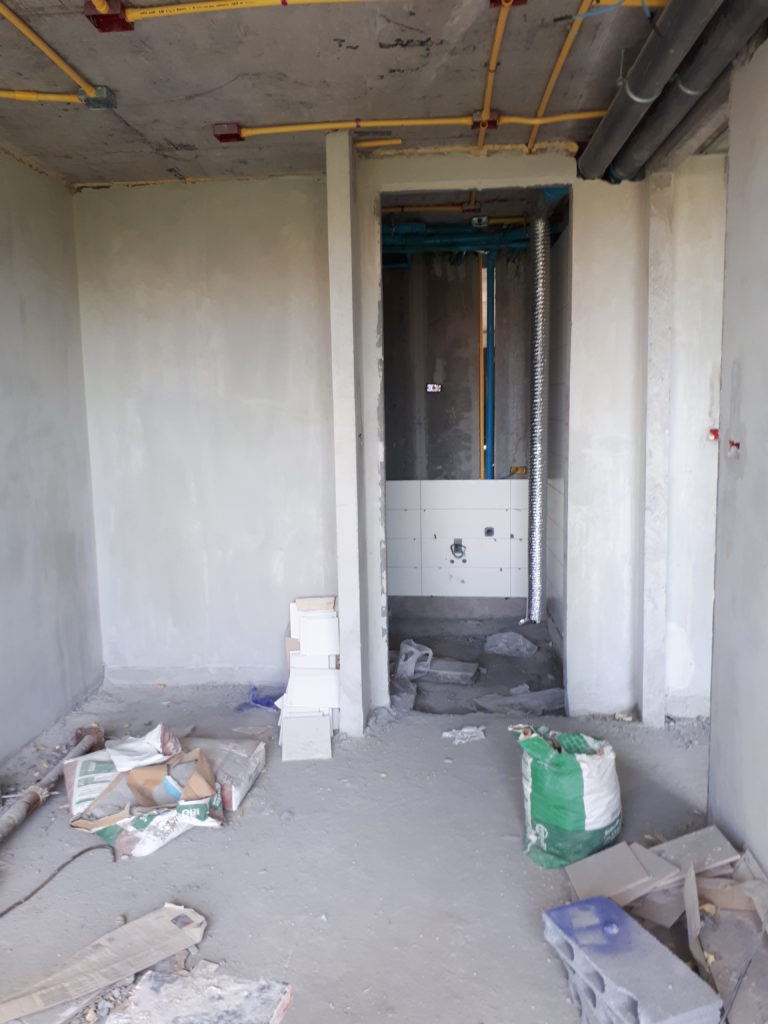 комната без отделки