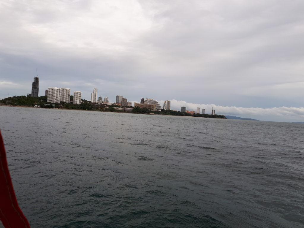 Вид на Паттайя с моря.